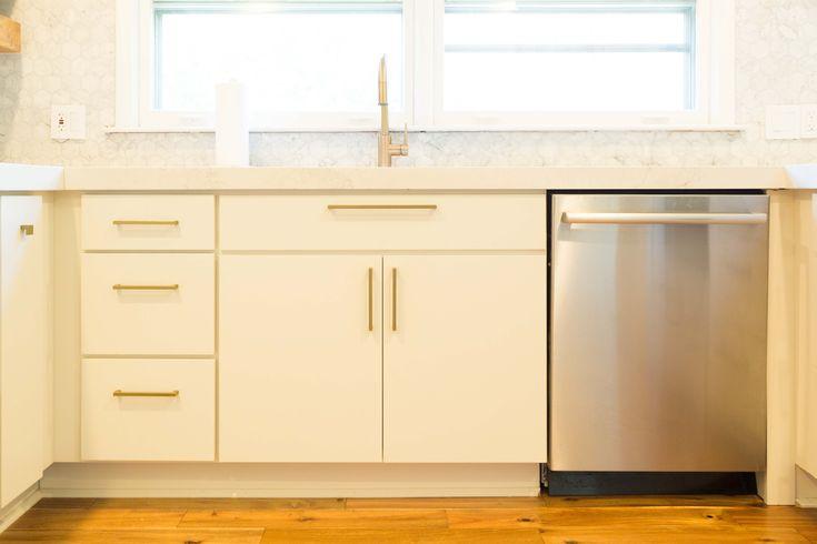 13 best White Kitchen with Modern Slab Door Cabinets ...