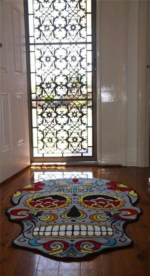 L♡ve this rug! Maybe I'll try to find this for my game room.