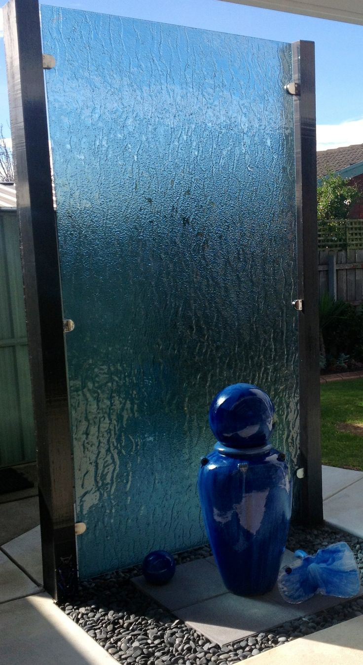 Glass screen for residential property - Voodoo Glass, Gold Coast - http://www.voodooglass.com.au