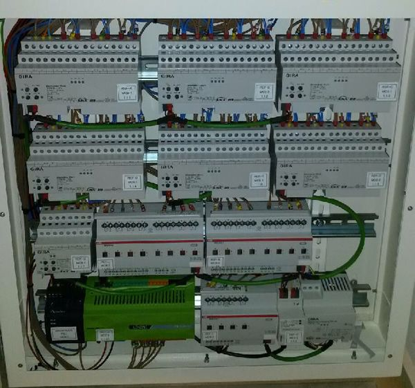 465cccbf34665cc59363f0cb936d5677 systems integrator design innovation 18 best knx images on pinterest electronics, home automation and knx lighting control wiring diagram at gsmx.co