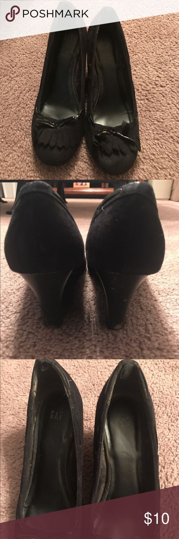 Gap shoes Women's Gap shoes size 8 worn but still have life in them GAP Shoes