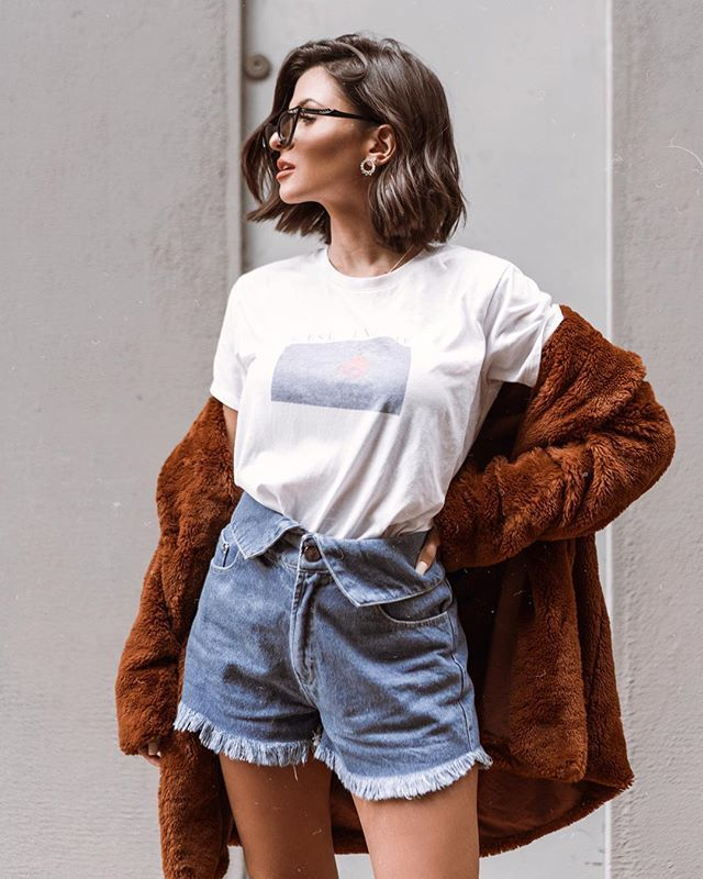 O short jeans mais estiloso do mundo. Instagram: @viihrocha #lookdodia #jeans | Looks do dia @Viihrocha in 2019 | Pinterest | Fashion, Outfits and Clothes