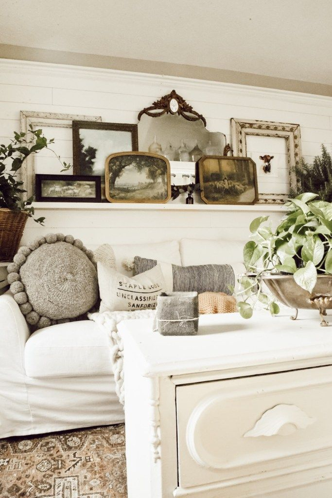 15++ Over the couch farmhouse decor type