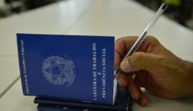 RS Notícias: Desemprego fecha dezembro em 6,9% e atinge maior t...