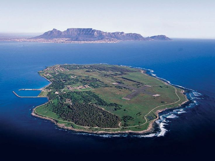 Think Cape Town is only for summer holidays? Have a look at the value you can get out of visiting at other times of the year. #travelblog