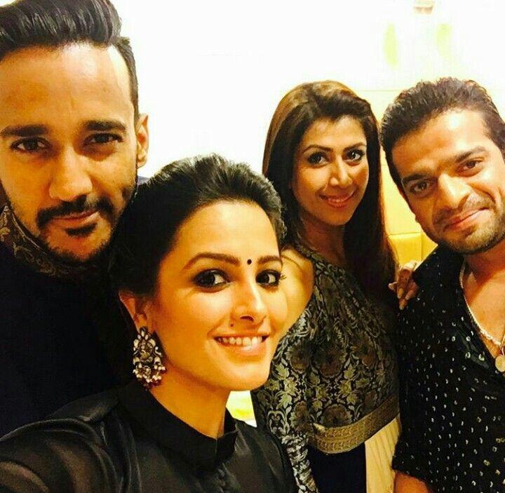 Diwali party#yhm cast