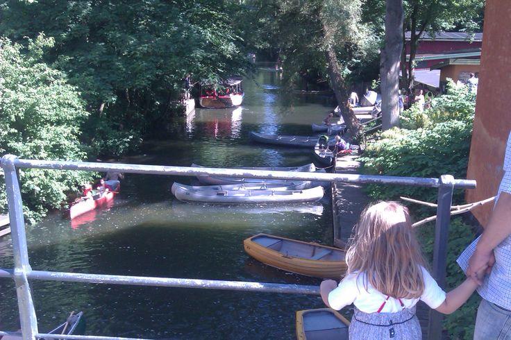 Lyngby Kanoklub. Lej en båd eller kano og få en sjov tur til søs.