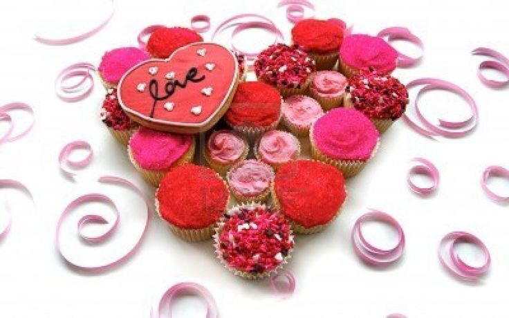 Rose vif et les petits gâteaux Rouge avec cookie Love Heart Banque d'images - 4091529
