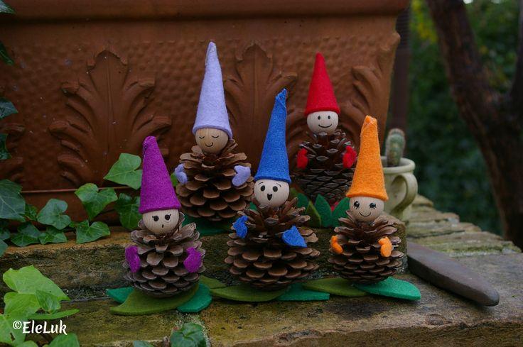 Da pigne nascono variopinti gnomi! #handmade #feltro #pigne #folletti #hobby