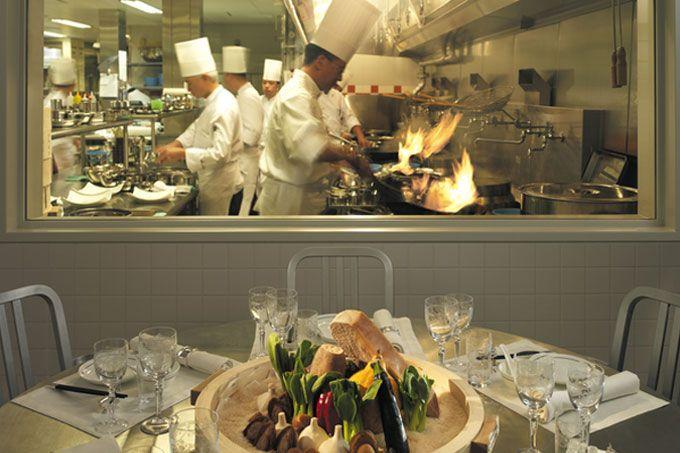 The Peninsula - dining Virtuoso - The Peninsula Tokyo - Japan & Luxury Travel Advisor – luxurytraveltojapan.com - #Luxuryhotels #Tokyo #Japan #Japantravel #peninsulatokyo