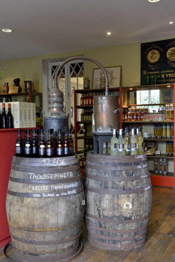 Distillerie Kamok. Produits du terroir. Liqueurs à Luçon, Vendée. ©Pascal Baudry pour Sud Vendée Tourisme. Plus d'info : www.sudvendeetourisme.com