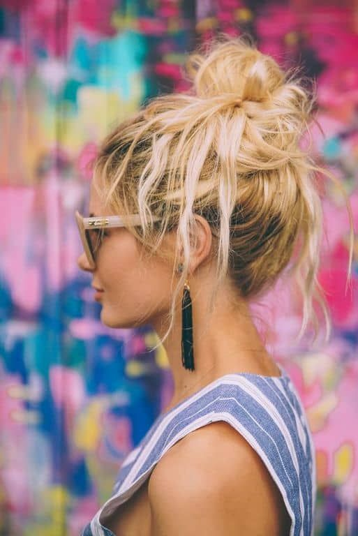 An octopus bun is perfect for working out. Let's kick off 2018 right! Here are the top 10 hairstyles for working out, so you'll look hot, while achieving your new years resolutions...