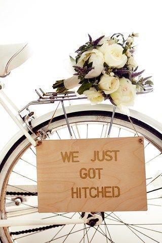 DIY Stencil Bike - so cute (BridesMagazine.co.uk)