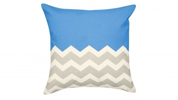 Effortlessly bring a splash of colour to your home with this gorgeous Sunny Pop Cushion in blue. Featuring an on-trend chevron stripe and made from soft cotton, this bold cushion is perfect for a living room, bedroom or outdoor space.