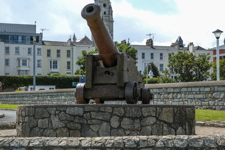 This Russian gun was one of  3,000 that were captured during the Crimean War. Most of them were reportedly from the siege of Sebastopol . In the Treaty of Paris, which ended the war, it was agreed that each of the victors would receive cannons from the Russians as trophies of their victory. Some of these Russian guns were put on display in towns throughout Britain and Ireland. In Ireland over 20 towns are believed to have applied for and received a Russian gun for display.  #Cannon #Gun…
