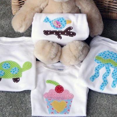 Handmade Onesies {Baby Shower Gift Ideas}