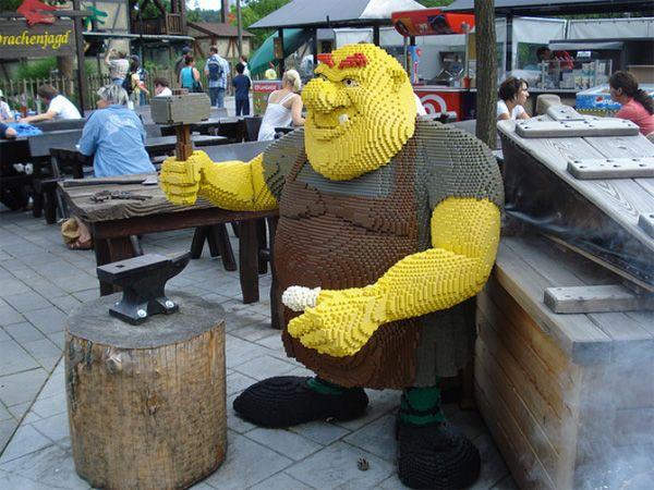 Life sized Lego shrek