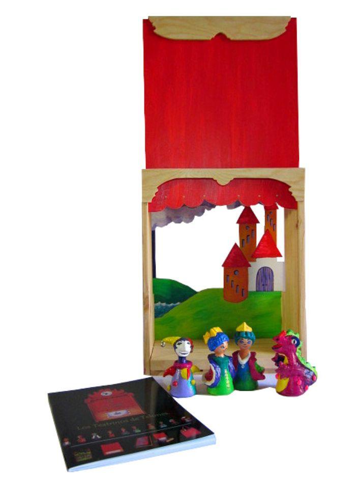 Tatrino hecho con una caja de vino: precioso e ingenioso!  Marionetas de madera modeladas con pasta de papel: encantadoras.  Idea de: Jimena Uribe (www.festivania.com)