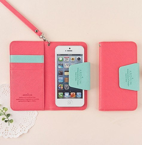 Cute iPhone 5 wallet case by MochiThings.com
