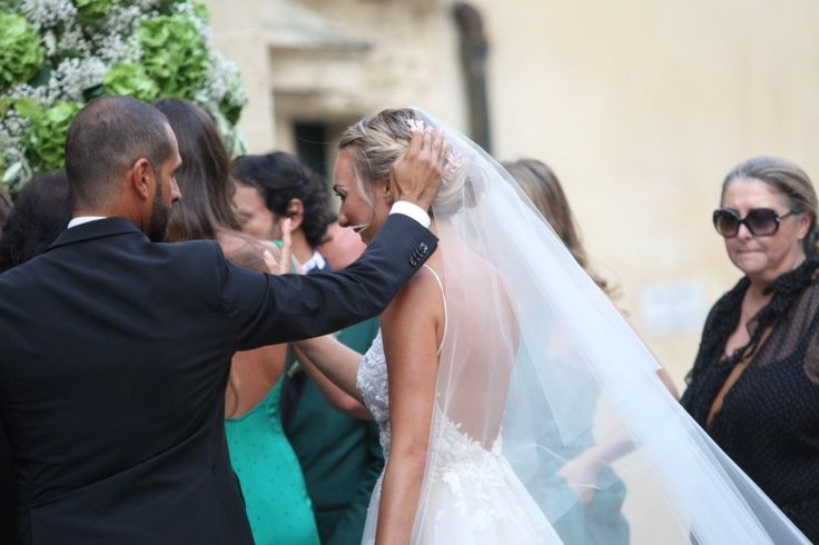 Cristel sposa sul treruote a Lecce, l'emozione di Al Bano