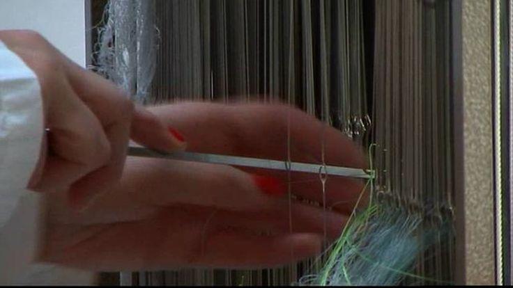 De werkwijze van kunstenaar Monika Auch verbeeld in een korte avant-gardistische film. Vertoond in verschillende musea.  Camera / regie: Camiel Schouwenaar Montage…