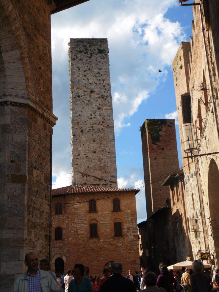 San Gimignano, La Manhattan del medioevo / La Manhattan du Moyen Age / the manhattan of middle Ages