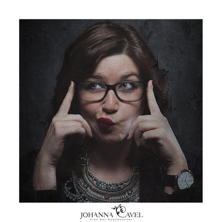 portrait corporate business woman studio  photographe photography montauban toulouse france lunette femme montre glasses
