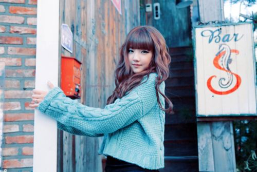 Long Brown Curly With Auburn Highlights And Bangs Cute Asian Hair Pinterest Auburn