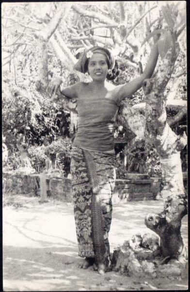 indonesia, BALI, Native Dancer Ni Pollok (1940s)