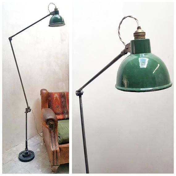 Lampada Industriale da terra vintage con paralume smaltato   Old industrial floor lamp #factory #lamp #industrial #piantana