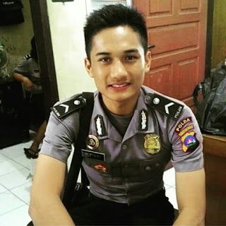 POLISI TNI GANTENG: April 2016