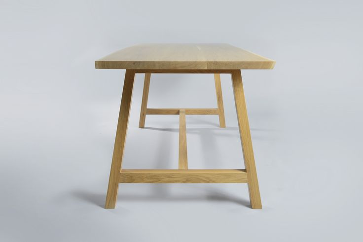 "Table ""Odysseus"" Moromou"