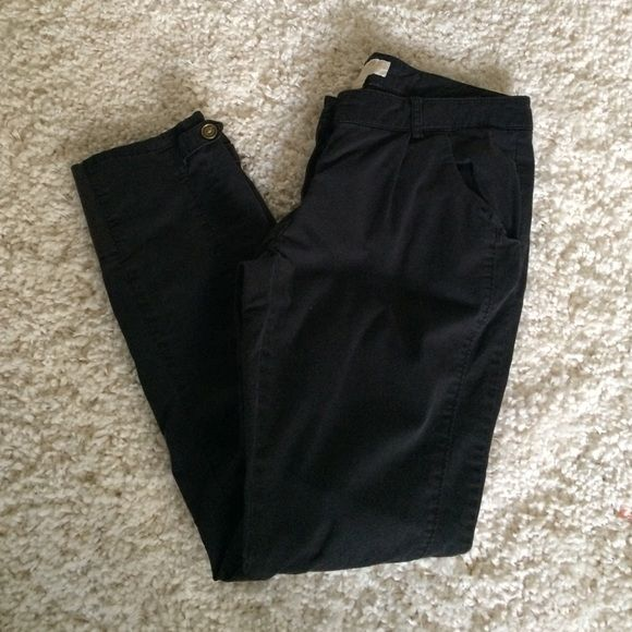"""Michael Kors Black ankle Pants Faded black ankle pants. Zipper and button closure. Pleated front. Really cute. Inseam 27"""" MICHAEL Michael Kors Pants Ankle & Cropped"""