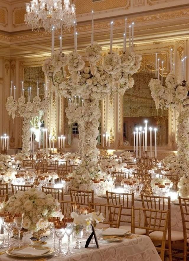 Extravagant white wedding. MORE INSPIRATION FOR CENTERPIECES
