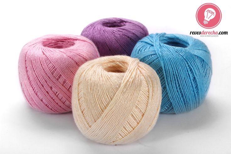 Perfecto para delicados trabajos de crochet, macramé y frivolité, este hilo fino delgado viene en distintos colores para que crees una pieza única.  #revesderecho #frivolité #macramé