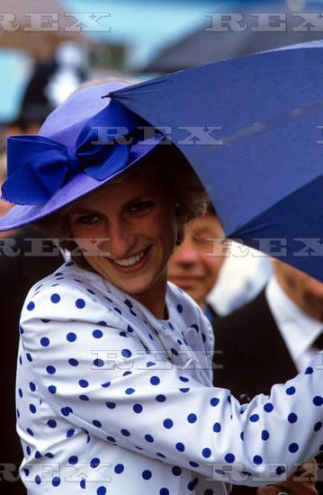 November 7, 1985: Princess Diana opens the Australian National Botanic Gardens' Visitor Centre In Canberra, Australia. Day 10