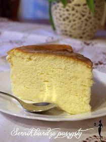 W lodówce od jakiegoś czasu leżało mi wiadereczko sera mielonego na sernik... Po inspirację zajrzałam na blog Moje wypieki  i jak zwykle się...