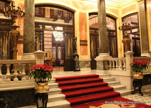My Turkish Joys: Pera Palace Hotel Holiday Tea in Istanbul http://myturkishjoys.blogspot.com/2012/12/pera-palace-hotel-holiday-tea-in.html