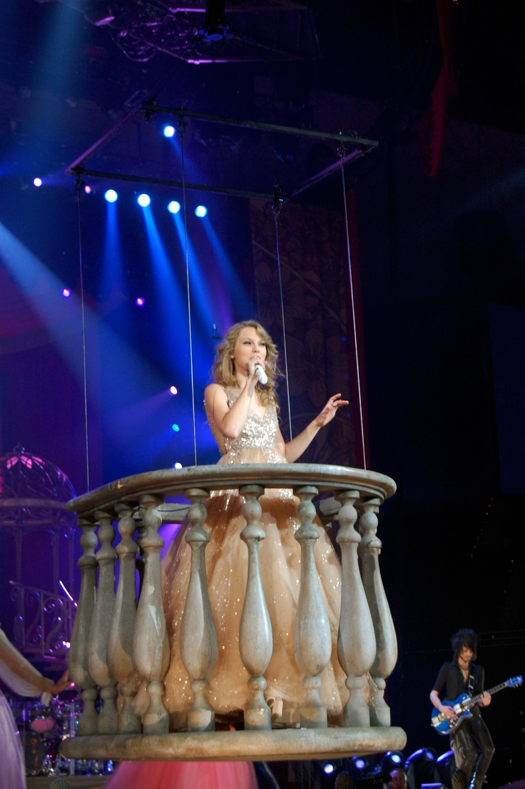 Taylor Swift Speak Now Tour  Finale. Best Moment of my life and The closet I was to her.