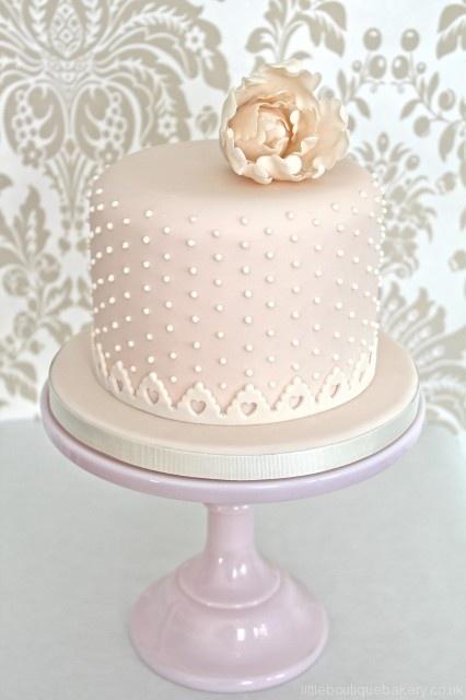 Raspberry Wedding » WEDDING COLOUR INSPIRATION 2013: GREEN, PEACH & GOLD For more wedding cakes - http://raspberrywedding.com/4937-revision-v1/