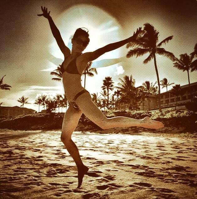 Kristin kreuk bikini pics — photo 6