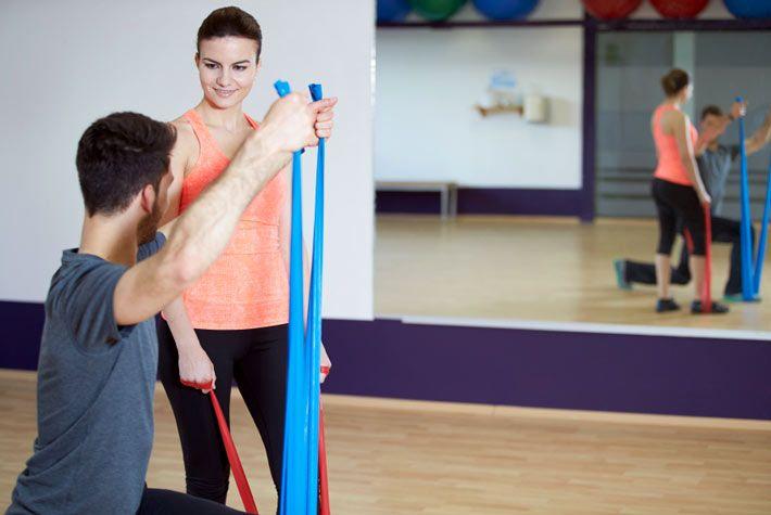 Pilates: Esercizi con la Banda Elastica di Resistenza >>> http://www.piuvivi.com/fitness/pilates-esercizio-elastico-casa-fascia-resistenza.html