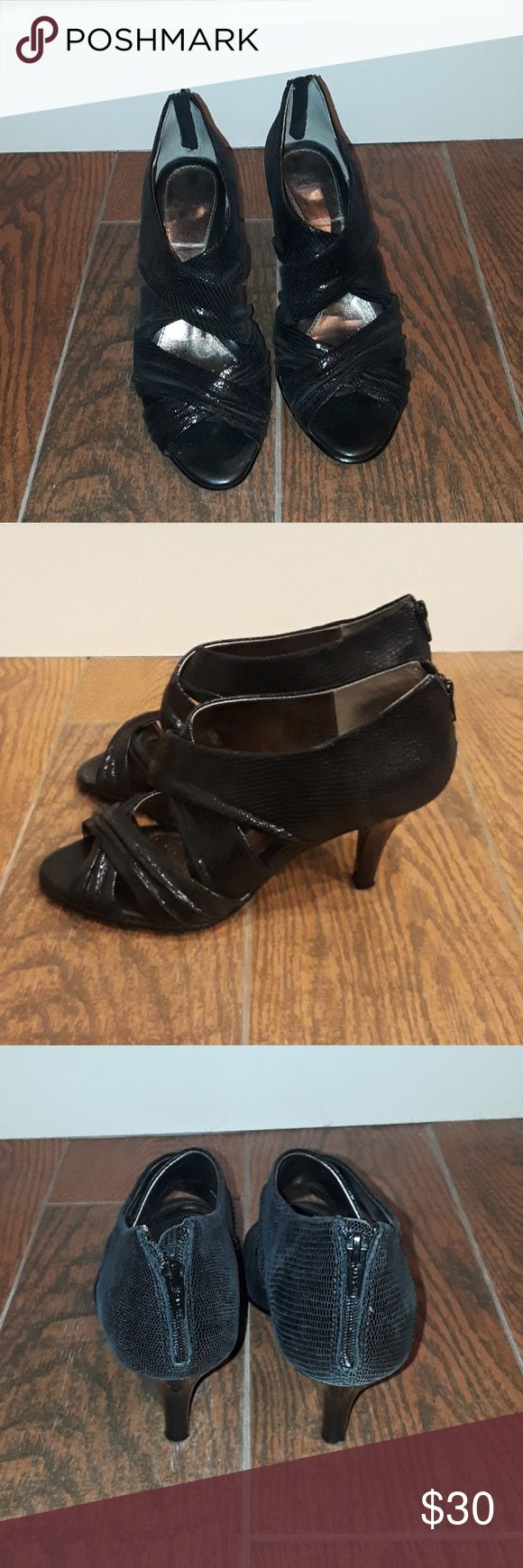 Sofft heels Size 8 black heels in EUC by Sofft Sofft Shoes Heels