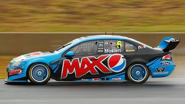 Mostert and Winterbottom will wear identical liveries in 2014.