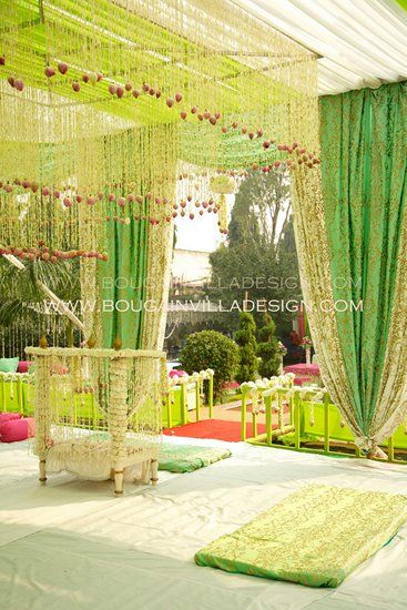 Bougainvilla Design Delhi - Review & Info - Wed Me Good #mehanddecor #green and yellow theme #mehandi