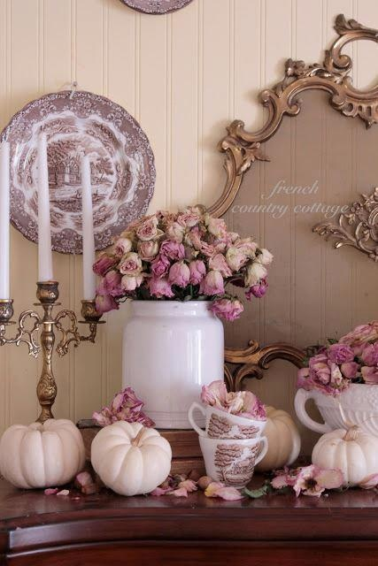 ❥ mauvey pinks and white pumpkins