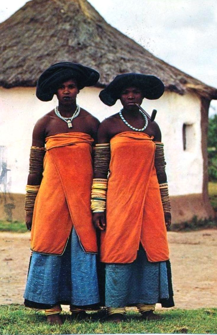 Africa | Xhosa women. Transkei, South Africa || Postcard; publisher Protea Colour.