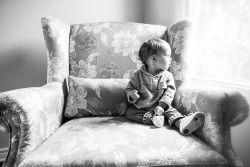 Brooke Wedlock - Couch Time #babyportraits #babyboy #portrait #familyphotographer #familyportraits #torontophotographer #naturallight #toddler #lifestyle #bigcouch #lifestyle #sweetboy