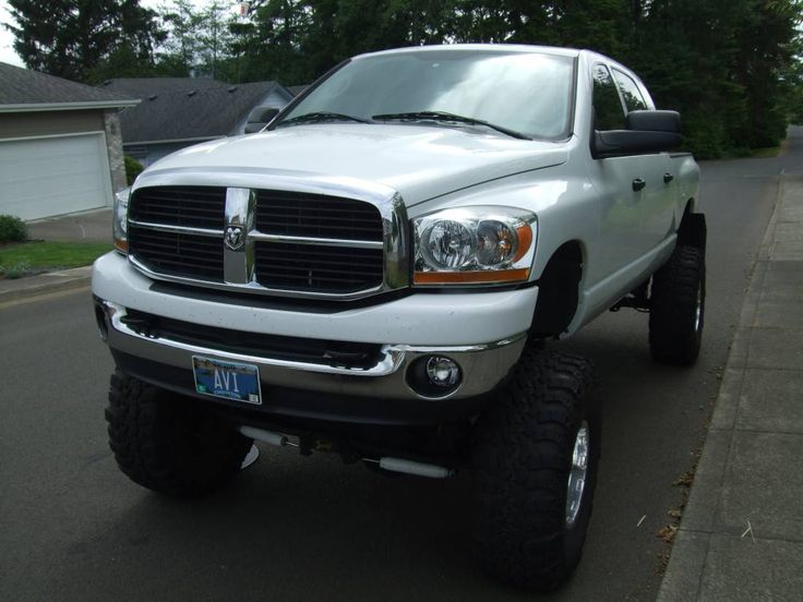 lifted dodge truck | 2006 Dodge Ram Megacab 2500 | Lifted Trucks for Sale