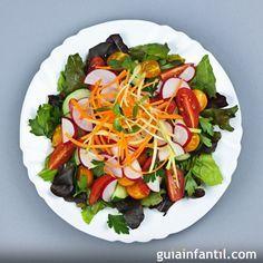 https://m.guiainfantil.com/recetas/verduras/ensalada-crujiente-de-zanahoria-tomate-y-rabano/